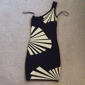 Bebe One Shoulder Dress in Gold & Black Size: XS